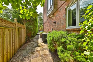 Photo 30: 2325 Marine Drive in Oakville: Bronte West House (3-Storey) for sale : MLS®# W4877027