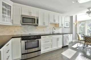 Photo 10: 2325 Marine Drive in Oakville: Bronte West House (3-Storey) for sale : MLS®# W4877027