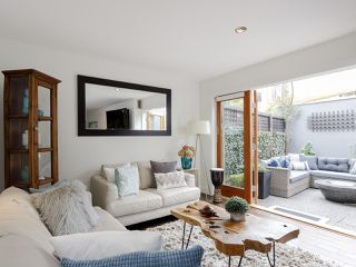 Photo 1: 1367 W Walnut Street in Vancouver: Kitsilano Townhouse for sale (Vancouver West)  : MLS®# 2507125