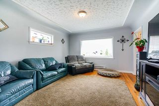 Photo 7: 1939 264 Street in Langley: Otter District House for sale : MLS®# R2507300