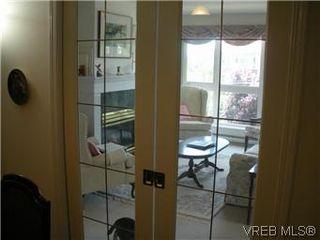 Photo 11: 408 1501 Richmond Ave in VICTORIA: Vi Jubilee Condo Apartment for sale (Victoria)  : MLS®# 577424