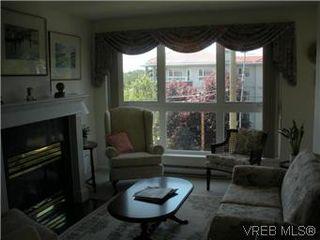 Photo 7: 408 1501 Richmond Ave in VICTORIA: Vi Jubilee Condo Apartment for sale (Victoria)  : MLS®# 577424