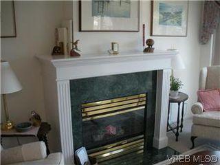 Photo 9: 408 1501 Richmond Ave in VICTORIA: Vi Jubilee Condo Apartment for sale (Victoria)  : MLS®# 577424