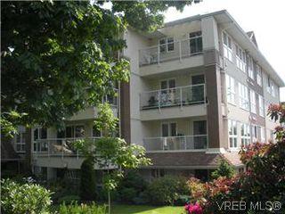 Photo 1: 408 1501 Richmond Ave in VICTORIA: Vi Jubilee Condo Apartment for sale (Victoria)  : MLS®# 577424