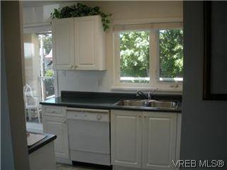 Photo 6: 408 1501 Richmond Ave in VICTORIA: Vi Jubilee Condo Apartment for sale (Victoria)  : MLS®# 577424