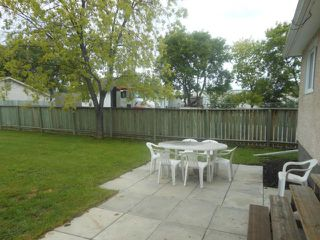 Photo 2: 924 Elizabeth Road in WINNIPEG: Windsor Park / Southdale / Island Lakes Residential for sale (South East Winnipeg)  : MLS®# 1213014