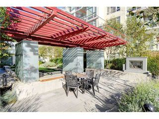 "Photo 2: 519 2268 W BROADWAY in Vancouver: Kitsilano Condo for sale in ""The Vine"" (Vancouver West)  : MLS®# V984379"