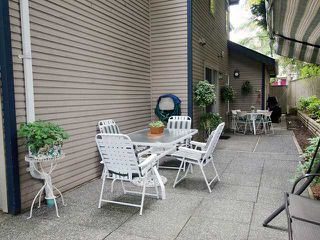 """Photo 4: 47 1195 FALCON Drive in Coquitlam: Eagle Ridge CQ Townhouse for sale in """"Courtyards"""" : MLS®# V1012695"""