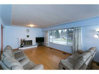 Photo 3: 553 DRAYCOTT ST in Coquitlam: Central Coquitlam House for sale : MLS®# V1036712