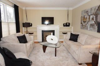 Photo 2: 267 Clare Avenue in : Riverview Single Family Detached for sale