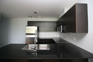 Photo 5: 502 4178 DAWSON STREET in Burnaby: Brentwood Park Condo for sale (Burnaby North)  : MLS®# R2062266