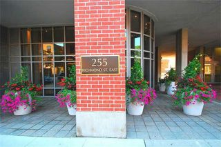 Photo 9: 255 Richmond St E Unit #429 in Toronto: Moss Park Condo for sale (Toronto C08)  : MLS®# C3574354