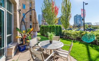 Photo 1: 103 388 DRAKE STREET in Vancouver: Yaletown Condo for sale (Vancouver West)  : MLS®# R2111849