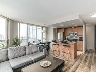 Photo 4: 1801 1212 Howe in Vancouver: Downtown VW Condo for sale (Vancouver West)  : MLS®# R2130353