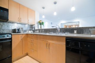 Photo 10: 2411 W 1ST AVENUE in Vancouver: Kitsilano Townhouse for sale (Vancouver West)  : MLS®# R2140613
