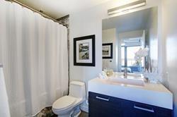 Photo 4: 531 90 Broadview Avenue in Toronto: Condo for sale : MLS®# E4395245