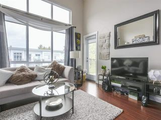 Photo 2: 426 12039 64 Avenue in Surrey: West Newton Condo for sale : MLS®# R2369916