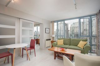 "Photo 2: 2205 930 CAMBIE Street in Vancouver: Yaletown Condo for sale in ""Pacific Place Landmark II"" (Vancouver West)  : MLS®# R2394764"