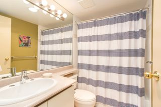 "Photo 13: 2205 930 CAMBIE Street in Vancouver: Yaletown Condo for sale in ""Pacific Place Landmark II"" (Vancouver West)  : MLS®# R2394764"