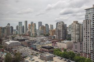 "Photo 15: 2205 930 CAMBIE Street in Vancouver: Yaletown Condo for sale in ""Pacific Place Landmark II"" (Vancouver West)  : MLS®# R2394764"