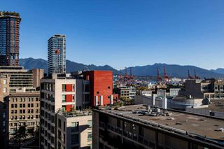 "Photo 15: 1103 183 KEEFER Place in Vancouver: Downtown VW Condo for sale in ""Paris Place"" (Vancouver West)  : MLS®# R2407377"