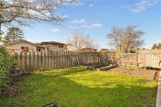 Photo 5: 3386/3390 Veteran St in VICTORIA: SE Mt Tolmie Full Duplex for sale (Saanich East)  : MLS®# 834043
