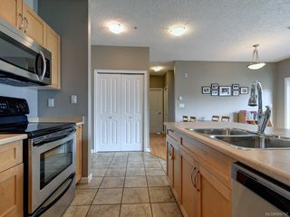Photo 6: 302 2747 Jacklin Rd in Langford: La Langford Proper Condo for sale : MLS®# 840757