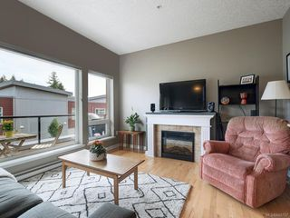 Photo 7: 302 2747 Jacklin Rd in Langford: La Langford Proper Condo for sale : MLS®# 840757