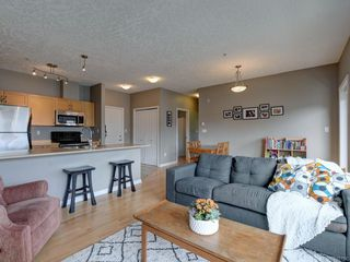 Photo 2: 302 2747 Jacklin Rd in Langford: La Langford Proper Condo Apartment for sale : MLS®# 840757