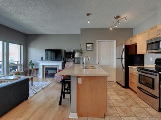 Photo 5: 302 2747 Jacklin Rd in Langford: La Langford Proper Condo for sale : MLS®# 840757