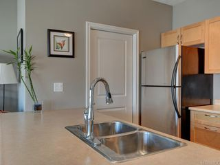 Photo 11: 302 2747 Jacklin Rd in Langford: La Langford Proper Condo for sale : MLS®# 840757