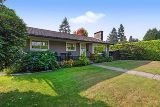 Photo 1: 384 MUNDY Street in Coquitlam: Central Coquitlam House for sale : MLS®# R2497790