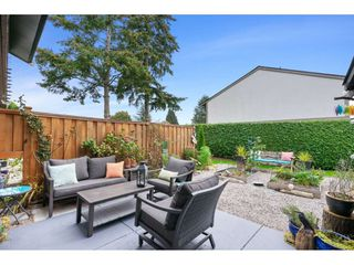 """Photo 2: 8 11451 KINGFISHER Drive in Richmond: Westwind Townhouse for sale in """"West Chelsea"""" : MLS®# R2507030"""