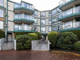 Photo 3: 109 898 Vernon Ave in : SE Swan Lake Condo for sale (Saanich East)  : MLS®# 857244