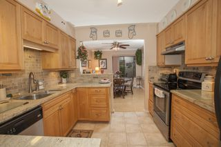Photo 4: 103 15317 THRIFT Ave in NOTTINGHAM: White Rock Home for sale ()  : MLS®# F1427871