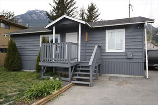 Photo 13: 39727 GOVERNMENT Road in Squamish: Northyards House for sale : MLS®# R2523101
