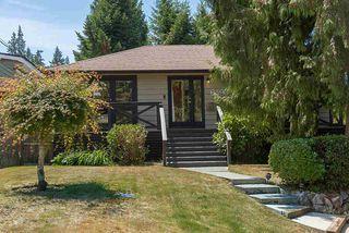 "Photo 2: 6490 FOX Street in West Vancouver: Gleneagles House for sale in ""Gleneagles"" : MLS®# R2403064"