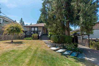 "Photo 3: 6490 FOX Street in West Vancouver: Gleneagles House for sale in ""Gleneagles"" : MLS®# R2403064"