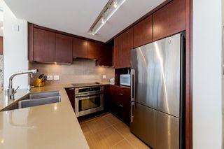 """Photo 3: 1108 1320 CHESTERFIELD Avenue in North Vancouver: Central Lonsdale Condo for sale in """"VISTA PLACE"""" : MLS®# R2417723"""