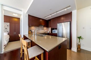 """Photo 2: 1108 1320 CHESTERFIELD Avenue in North Vancouver: Central Lonsdale Condo for sale in """"VISTA PLACE"""" : MLS®# R2417723"""
