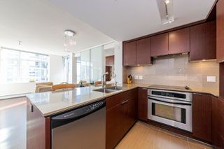 """Photo 5: 1108 1320 CHESTERFIELD Avenue in North Vancouver: Central Lonsdale Condo for sale in """"VISTA PLACE"""" : MLS®# R2417723"""