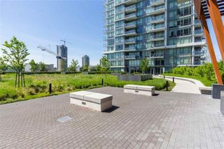 """Photo 18: 3305 2008 ROSSER Avenue in Burnaby: Brentwood Park Condo for sale in """"Solo District"""" (Burnaby North)  : MLS®# R2420827"""