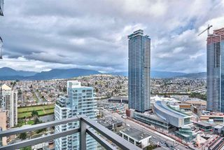 """Photo 11: 3305 2008 ROSSER Avenue in Burnaby: Brentwood Park Condo for sale in """"Solo District"""" (Burnaby North)  : MLS®# R2420827"""