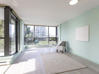 Photo 3: 608 6331 BUSWELL STREET in Richmond: Brighouse Condo for sale : MLS®# R2428947