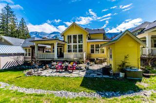 """Photo 3: 43275 OLD ORCHARD Lane in Cultus Lake: Lindell Beach House for sale in """"CREEKSIDE MILLS AT CULTUS LAKE"""" : MLS®# R2448787"""