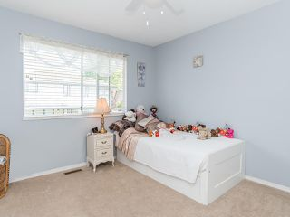 "Photo 34: 103 6082 W BOUNDARY Drive in Surrey: Panorama Ridge Townhouse for sale in ""LAKEWOOD ESTATES"" : MLS®# R2478628"