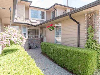 "Photo 4: 103 6082 W BOUNDARY Drive in Surrey: Panorama Ridge Townhouse for sale in ""LAKEWOOD ESTATES"" : MLS®# R2478628"
