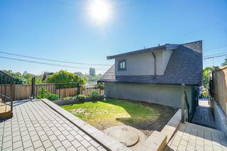 Photo 37: 3240 E 6TH AVENUE in Vancouver: Renfrew VE House for sale (Vancouver East)  : MLS®# R2497948