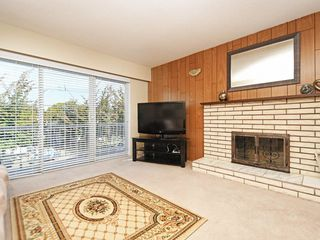 "Photo 3: 4758 KILLARNEY Street in Vancouver: Collingwood VE House for sale in ""Collingwood"" (Vancouver East)  : MLS®# R2403126"