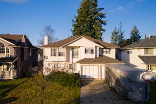 Main Photo: 15561 89A Avenue in Surrey: Fleetwood Tynehead House for sale : MLS®# R2421554